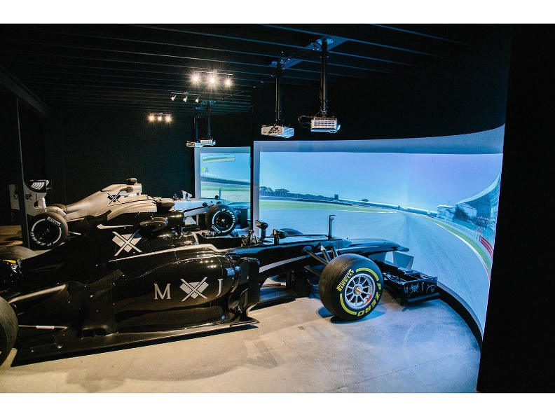 20208F1_F1_RACING_SIMULATOR_CENTER_2.JPG