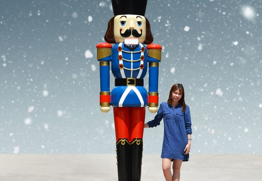 1574 12 FOOT TALL BLUE CHRISTMAS NUTCRACKER TOY SOLDIER 1
