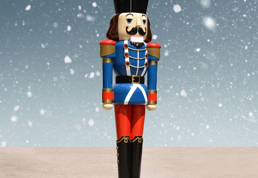 1574 12 FOOT TALL BLUE CHRISTMAS NUTCRACKER TOY SOLDIER 3
