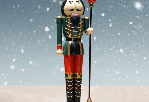 1577 10 FOOT TALL RIGHT CHRISTMAS NUTCRACKER TOY SOLDIER 2