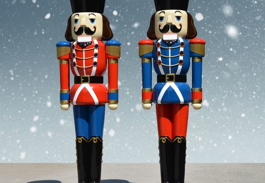 1581 12 FOOT TALL LEFT RIGHT CHRISTMAS NUTCRACKER TOY SOLDIER 2