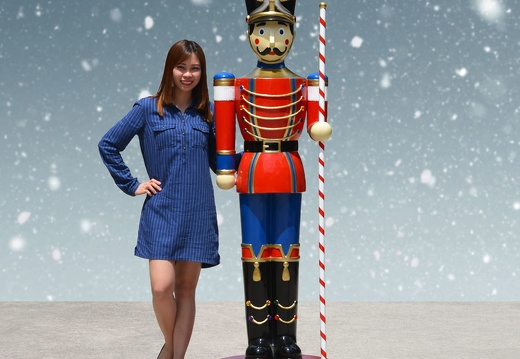 1583 6 FOOT TALL CHRISTMAS NUTCRACKER TOY SOLDIER 1