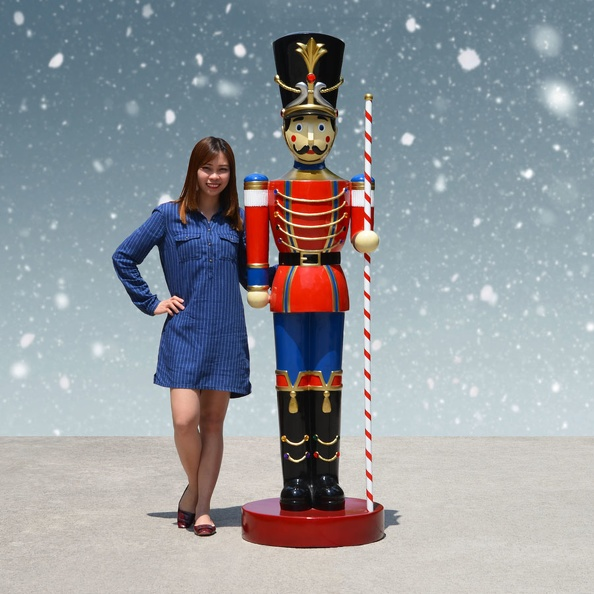 1583_6_FOOT_TALL_CHRISTMAS_NUTCRACKER_TOY_SOLDIER_1.JPG