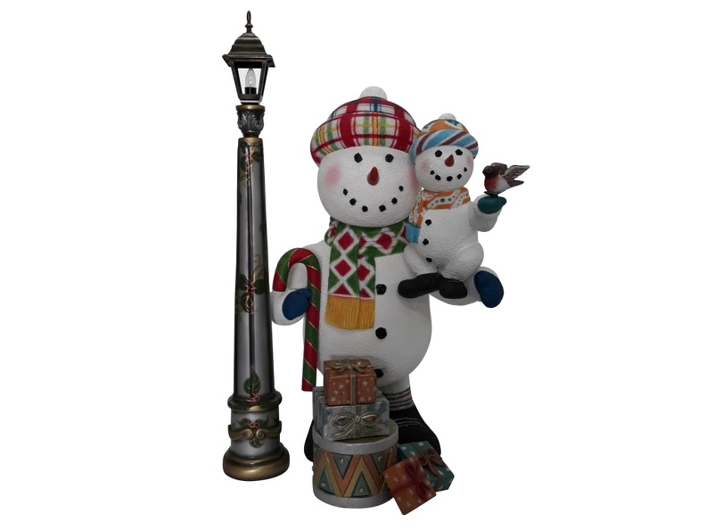 1646_FUNNY_CHRISTMAS_SNOWMAN_STATUE_HOLDING_BABY_SNOWMAN_LAMPOST_1.JPG