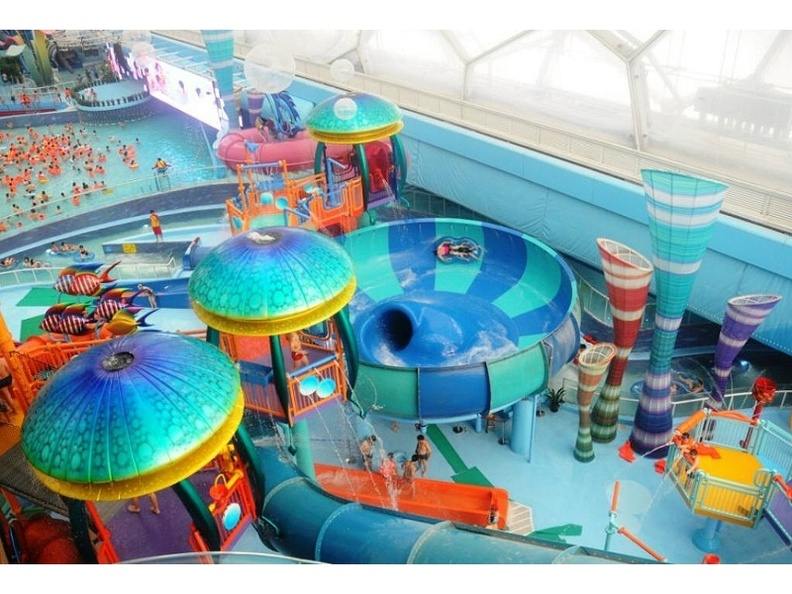 371_WATER_PARK_PRODUCT_THEMING_1.JPG