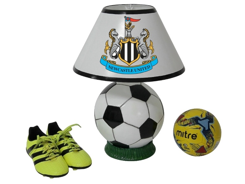 B0545_NEWCASTLE_UNITED_FOOTBALL_SCOCCER_LAMP_ALL_TEAMS_CLUBS_AVAILABLE.JPG