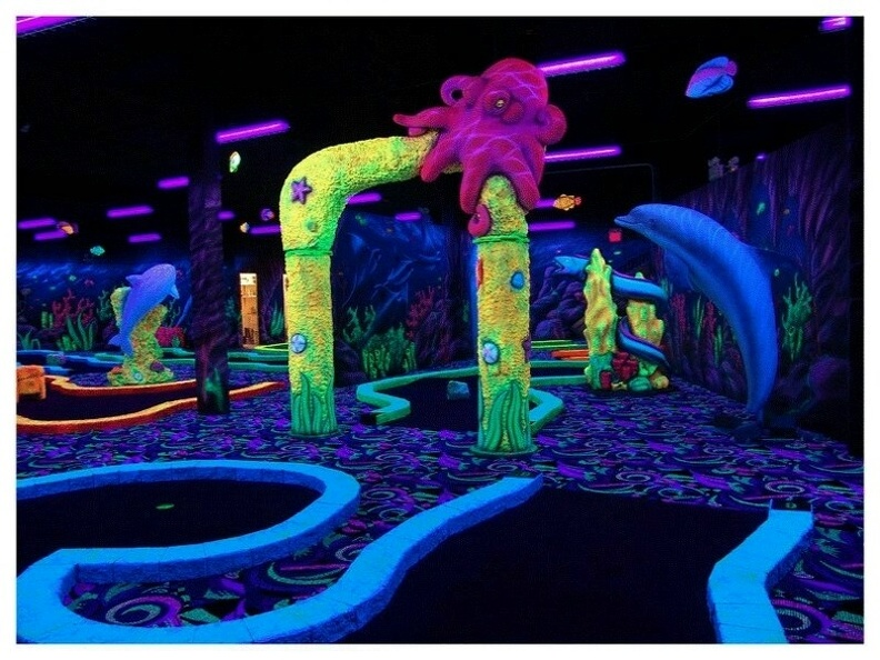 MGGLOWD1_MINI_GOLF_OBSTACLES_THEMES_GLOW_IN_DARK_PAINTED_PRODUCTS_6.JPG